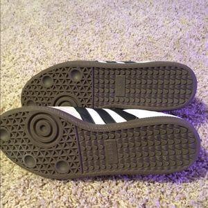 adidas Shoes - Adidas Samba sneaker
